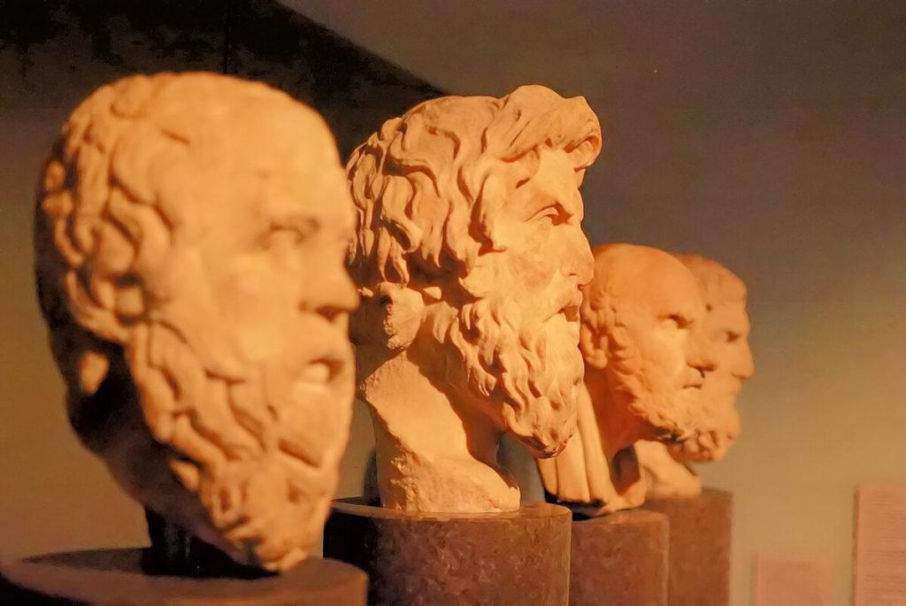 Schon bei den alten Griechen konnte man eine Angst vor Fremdartigem finden. Damals war die Xenophobie sogar unter den Gelehrten wie Platon oder Aristoteles verbreitet (Foto: morhamedufmg/Pixabay).